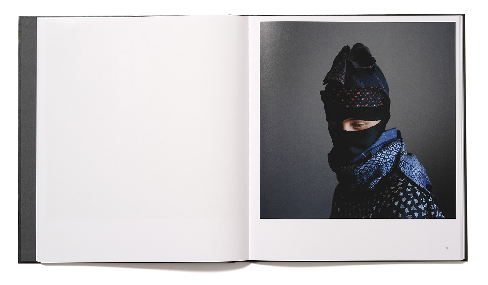 Spread from the book Stasis II by Trine Søndergaard showing a strude