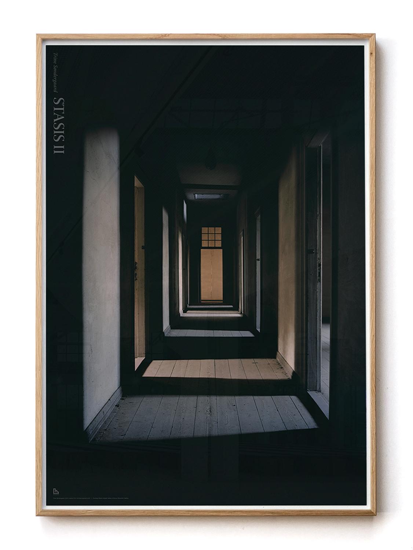 Solid oak frame with Trine Søndergaard poster 70x100 cm